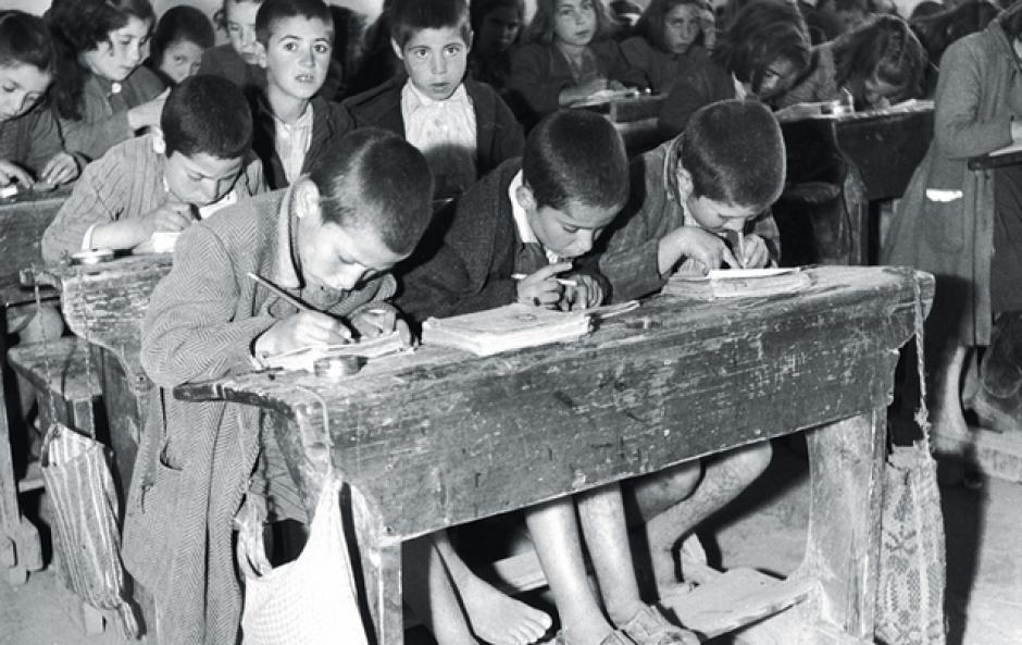 Αποτέλεσμα εικόνας για παλιες σχολικες φωτογραφιες