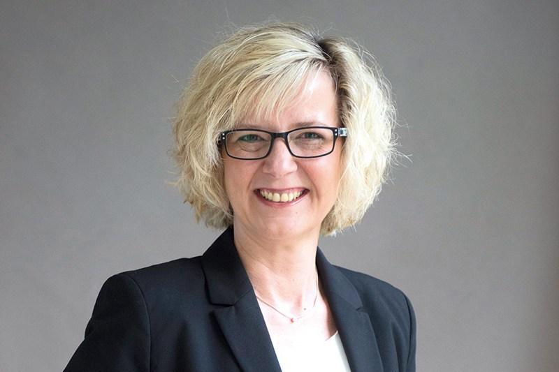 Vorstand Der Diakonie Bayern Komplett: Sandra Schuhmann Als Fachvorständin Eingeführt