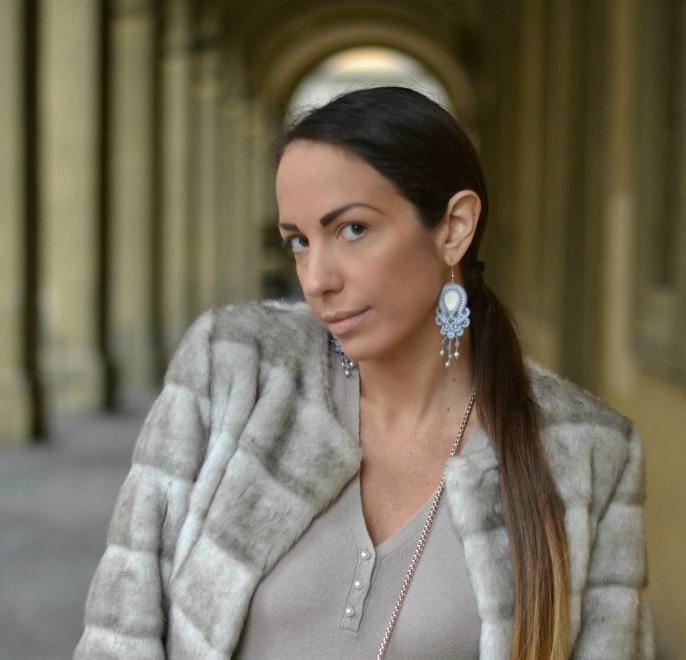 La fashion blogger Elisa Zanetti indossa Diala Creazioni