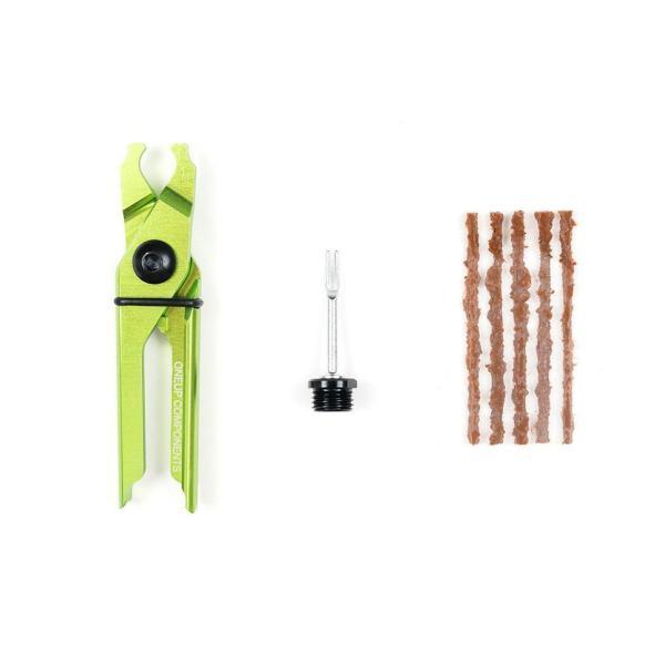 Oneup EDC plug & pliers kit