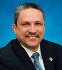 El ex superintendente de Electricidad y ex director del Plan Social de la Presidencia, César Prieto, se habría suicidado