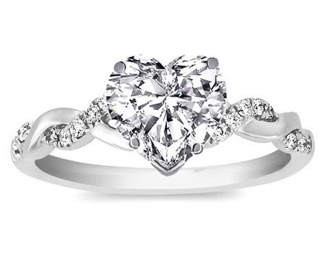 hearth shape diamond ring
