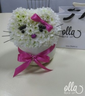 hello-kitty-aranjament-floral-de-crizanteme