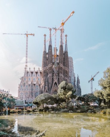 Sagrada Familia Pond