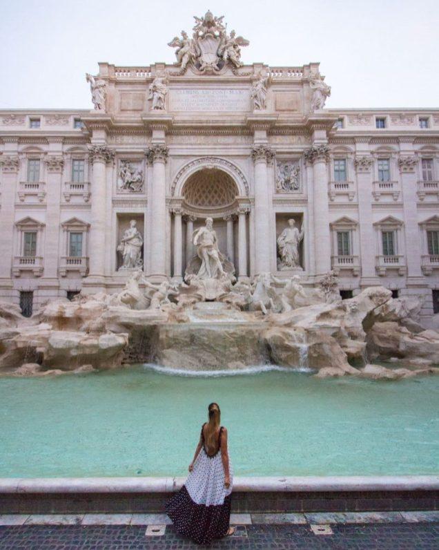 Fontana Trevi Empty