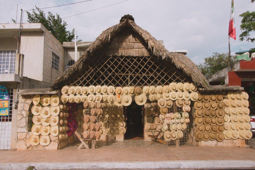 ee767b50c86f9 En el pueblo de Bécal hay varios talleres familiares