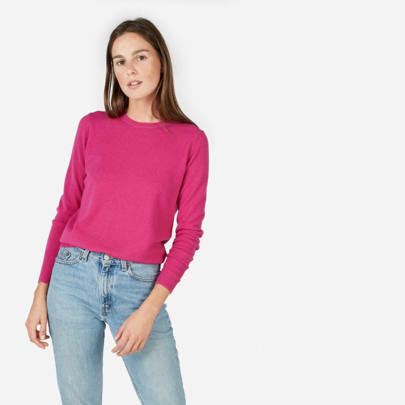Fashion blogger Diana Pearl of Pearl Girl shares why I love Everlane with the Everlane Cashmere Crew