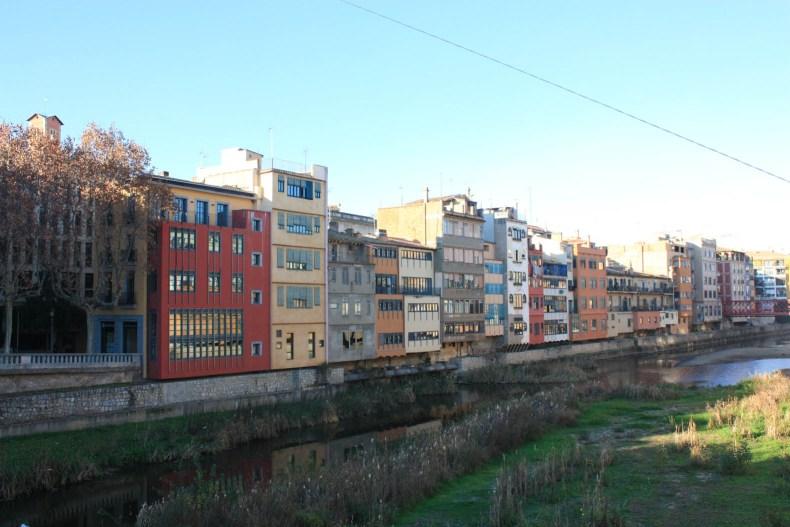 Girona, Spain Travel Guide, Barcelona Day Trip Ideas // Pearl Girl
