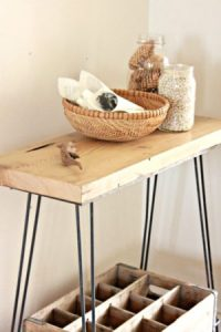 reclaimed-wood-table