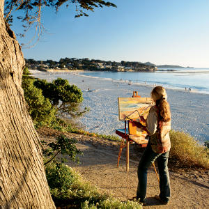 woman-at-easel-on-beach
