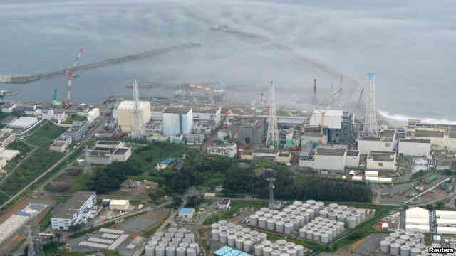 Fukushima reactor and water tanks