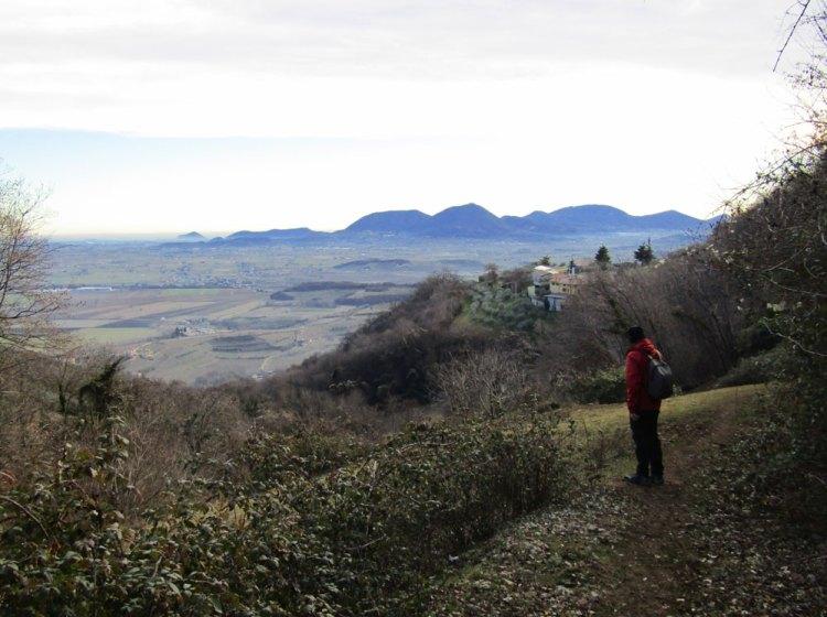 Dal sentiero San Beranrdino, vista sui Colli Euganei