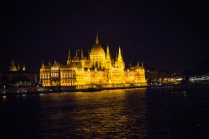 [img] Hungarian Parliament Building Budapest travel photos of 2015 30 countries by 30