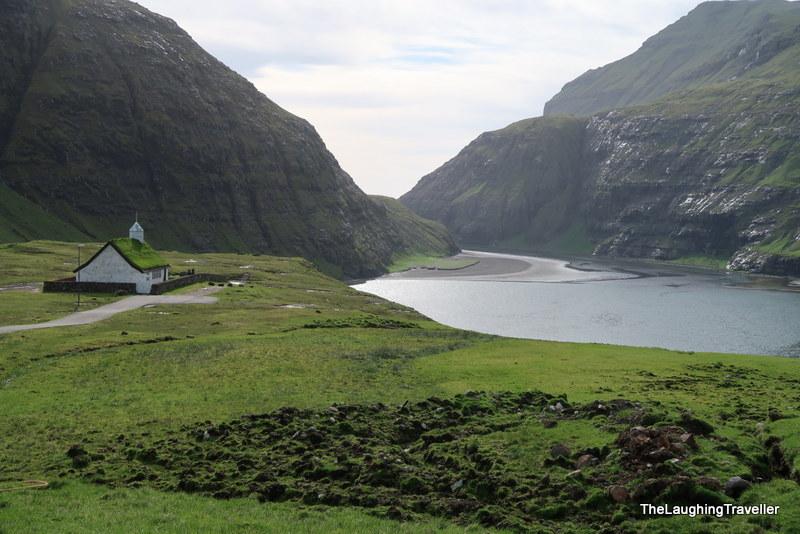 [img] Buttercup roads Faroe Islands
