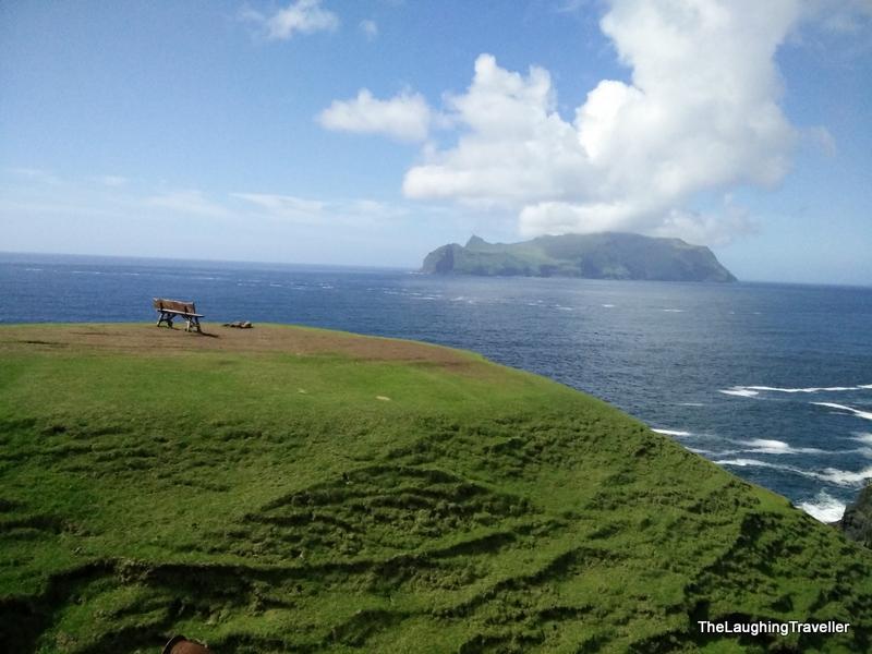 [img] Faroe Island cliffside bench