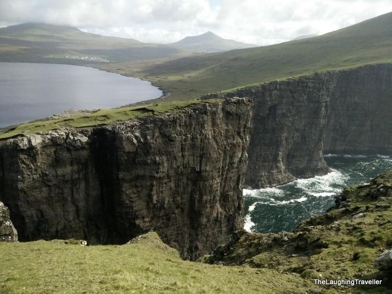 [img] Faroe Islands ocean lake