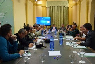 El delegado del Gobierno andaluz, José Luis Ruiz Espejo, ha presidido hoy el Comité Asesor del Plan INFOCA, que se reúne cada año al inicio y al cierre de la temporada de mayor riesgo de incendios en Málaga.