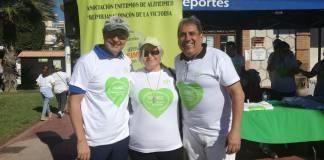 En la foto: Sergio Díaz, edil de Deportes y Francisco Salado, Alcalde del Ayuntamiento de Rincón de la Victoria, junto con María Soledad García, presidenta de la asociación Asalbez, al inicio de la marcha.