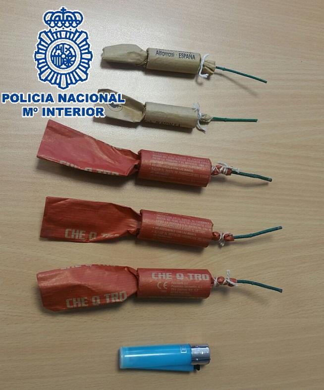 La Policía Nacional identifica a unos jóvenes por el lanzamiento de petardos y piedras al paso de un tren