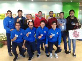 El Vélez Club de Fútbol visita el Hospital de la Axarquía