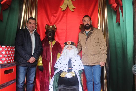 El Borge se prepara para recibir al paje real  y a los Reyes Magos de Oriente