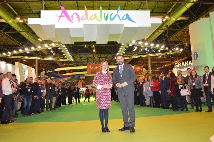 Díaz avanza en Fitur que Andalucía alcanzará en 2018 un nuevo récord con 30 millones de turistas