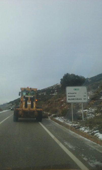 Los accesos en vehículo al Torcal y al parque natural de la Sierra de las Nieves permanecen cerrados
