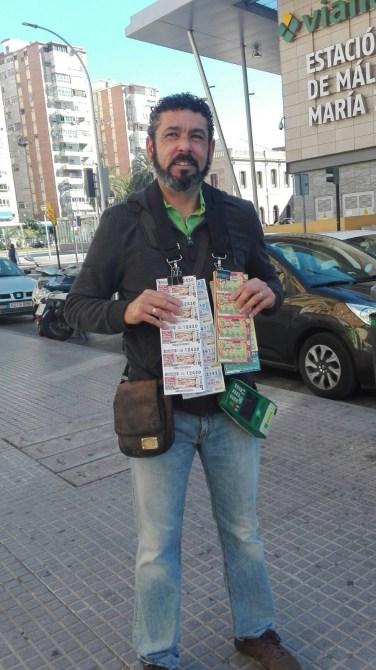 Óscar Manuel César, que ha repartido 4 millones de euros con diez cupones premiados con 400.000 euros en Marbella en el Sorteo de Navidad de la ONCE.
