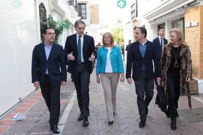 Bendodo aplaude el esfuerzo y el compromiso del Gobierno de España para llevar el tren hasta Marbella y Estepona