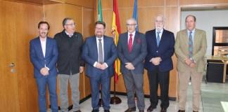 Reunión mantenida en Sevilla con representantes Consejo Andaluz de Veterinarios y el El consejero de Agricultura, Pesca y Desarrollo Rural, Rodrigo Sánchez Haro.