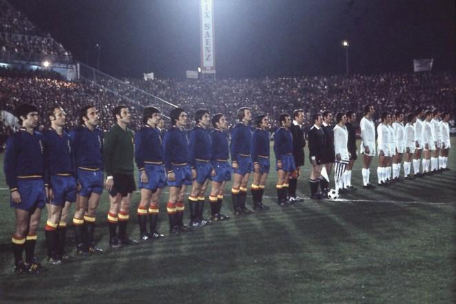ARCHIVO MALAGA C.F: Imagen del España-Grecia, primer partido en La Rosaleda de la Selección Española