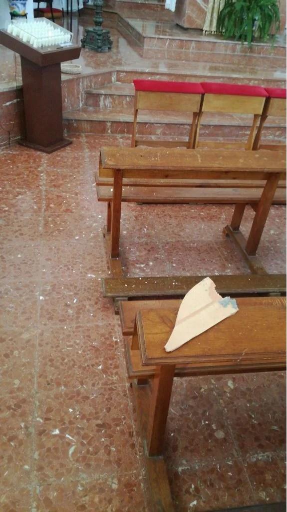 Desprendimientos en el techo de la iglesia de Benajarafe