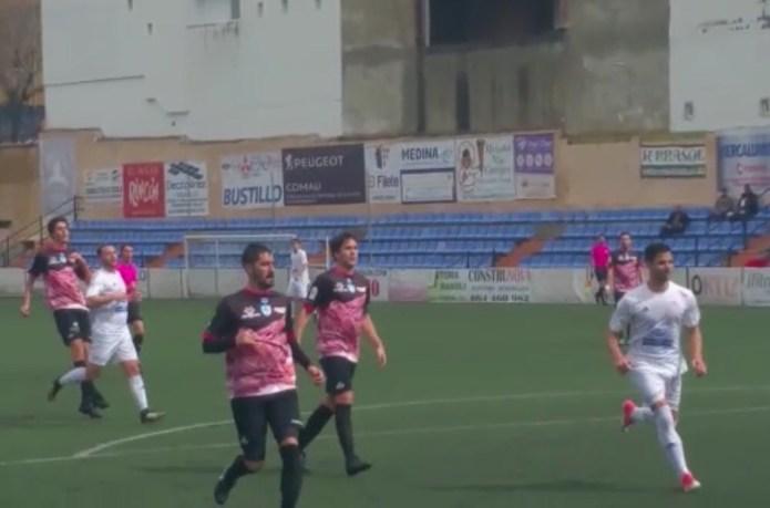 El Vélez gana al Loja y comienza su escalada (2-0)