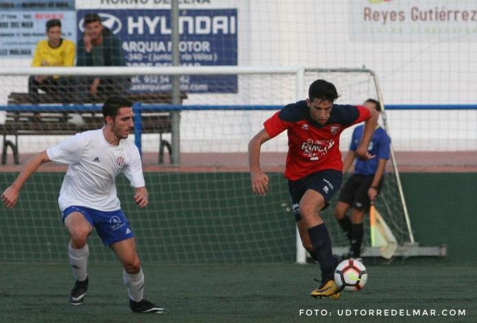 El Torre del Mar FC podría ascender en el derbi del domingo ante el Vélez 'B'