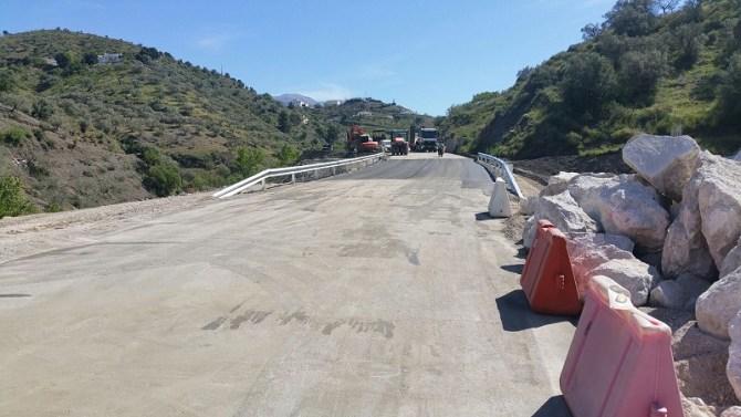 La Diputación restablece el tráfico entre Salares y Árchez