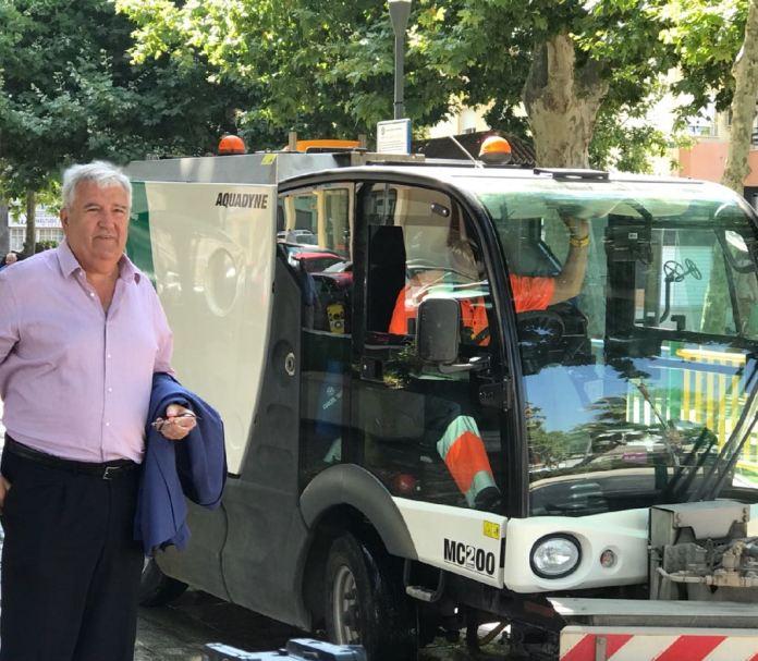 El concejal Marcelino Méndez-Trelles ha anunciado un servicio de recogida de residuos 'puerta a puerta' para la hostelería y el reparto de botellas reutilizables para limpiar el pipí de los perros.