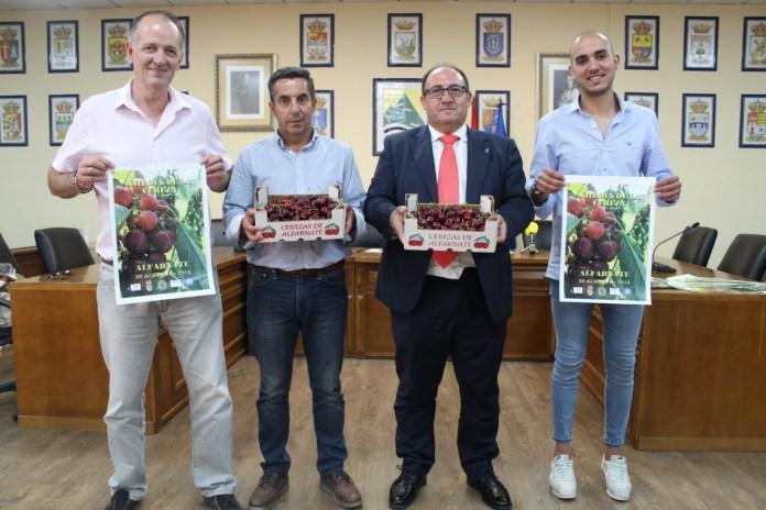 El XIII Día de la Cereza de Alfarnate saca a la venta alrededor de 5.000 kilos de este demandado fruto de temporada