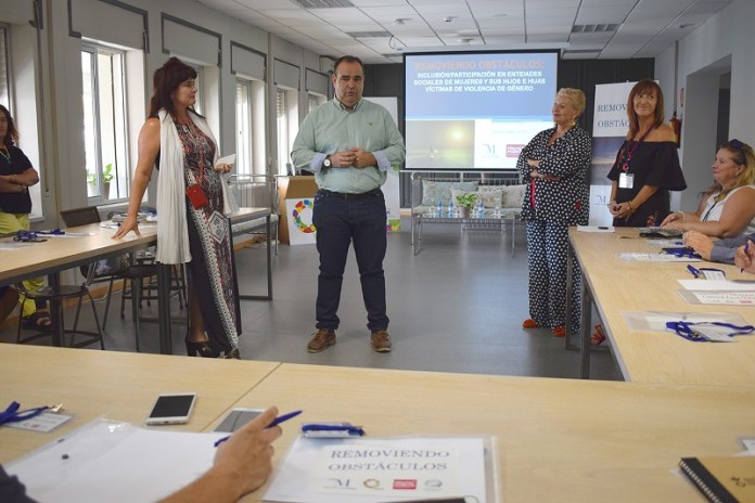 Dieciséis empresas de la provincia emplearán a mujeres víctimas de violencia de género en sus comarcas