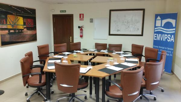 El Ayuntamiento de Vélez-Málaga y su Empresa Municipal Emvipsa, denunciados por incumplimiento del convenio colectivo
