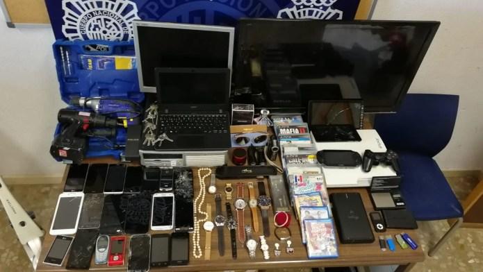 La Policía Nacional desarticula en Málaga una organización criminal dedicada al robo en viviendas vacacionales