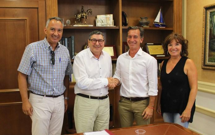 Vélez-Málaga invierte cerca de 300.000 euros en mejorar las instalaciones deportivas de la piscina cubierta