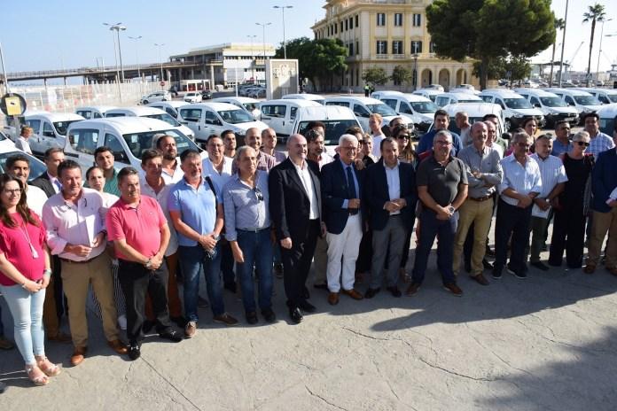 La Junta destina 4,5 millones en dos años para la adquisición de 387 furgonetas con los que atender servicios municipales esenciales en toda Andalucía.