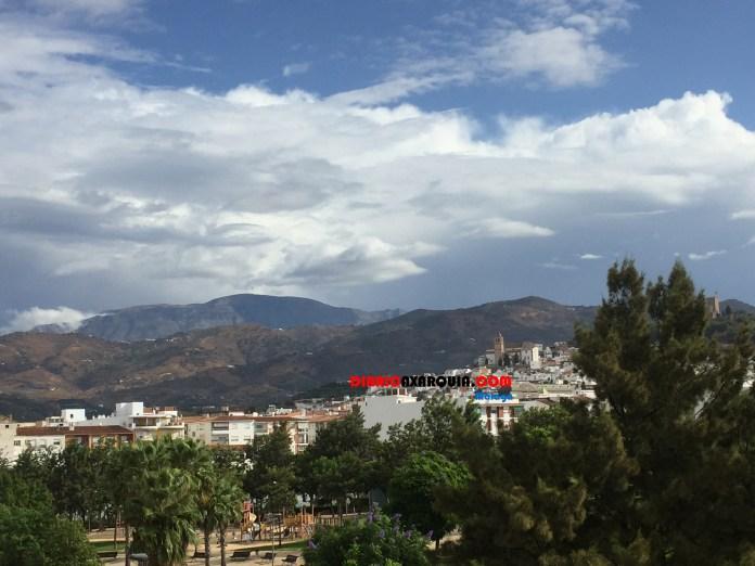 Para el domingo, Centro Meteorológico de Aemet en Málaga activa el aviso amarillo la Axarquía, entre las 6.00 y las 18.00, con riesgo de recoger hasta 15 litros en una hora.