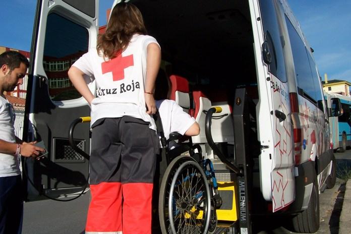 Cruz Roja Málaga ofrece su servicio de transporte adaptado para las Elecciones del 2 de diciembre