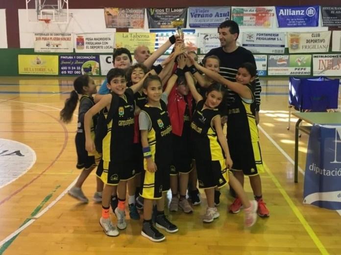 El baloncesto base sigue creciendo en Frigiliana