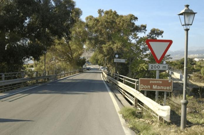 Fomento dota de una pasarela peatonal al puente Don Manuel en Alcaucín