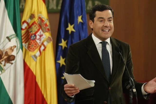 """Juanma Moreno: """"Para llegar a un acuerdo todos hemos tenido que ceder algo"""""""
