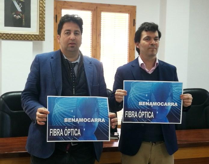 Benamocarra inicia la instalación de fibra óptica y prevé que finalice el despliegue para el próximo mes de abril