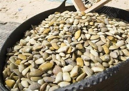La reapertura de 3 zonas de pesca mantiene desde hoy activos todos los caladeros para la captura de coquinas en la provincia