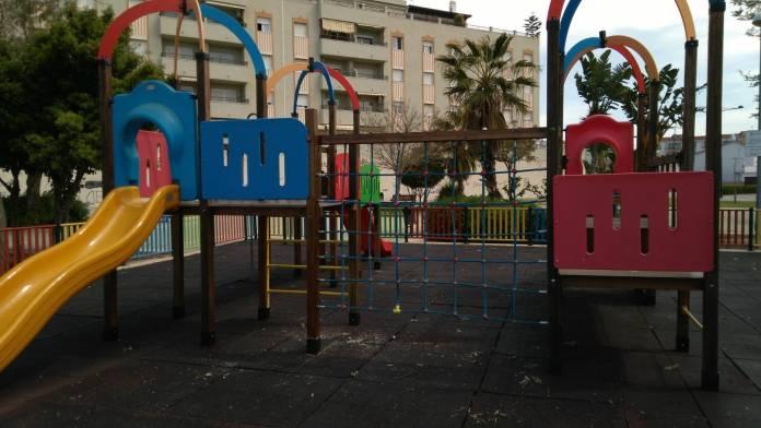Vélez-Málaga comienza a ejecutar el plan de revisión y reparación de los parques infantiles
